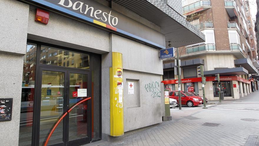 """La gran banca española """"suelta lastre"""" y vende activos para ganar liquidez"""