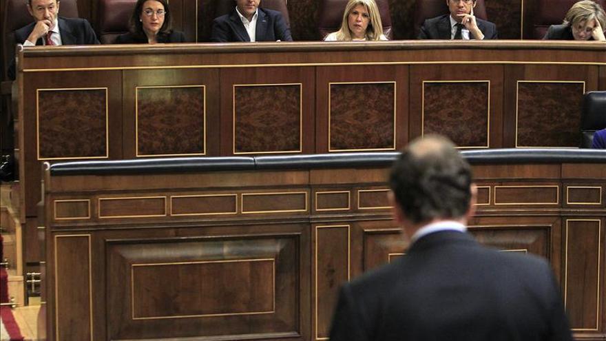 El PSOE pide un cambio de reglamento que obligue a Rajoy a responder a oposición