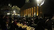 La cara oscura del invierno porteño se palía con la solidaridad en Argentina