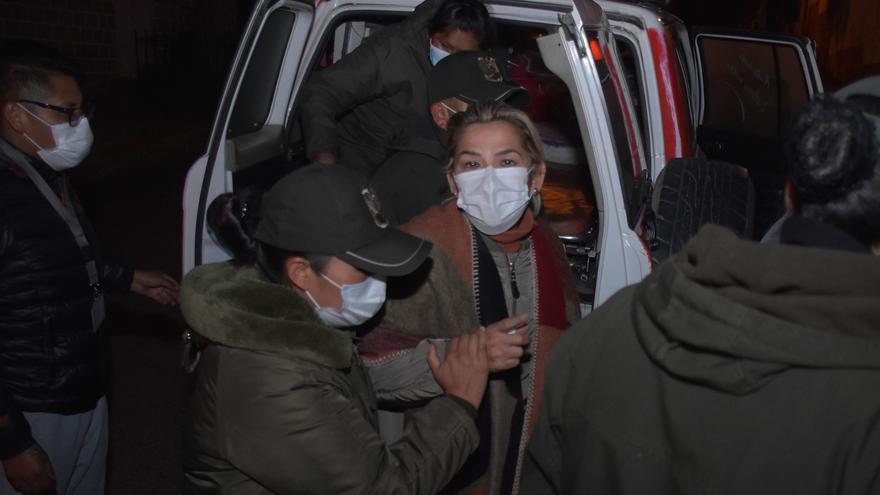 La expresidenta Áñez pide una audiencia con Bachelet para demostrar su inocencia