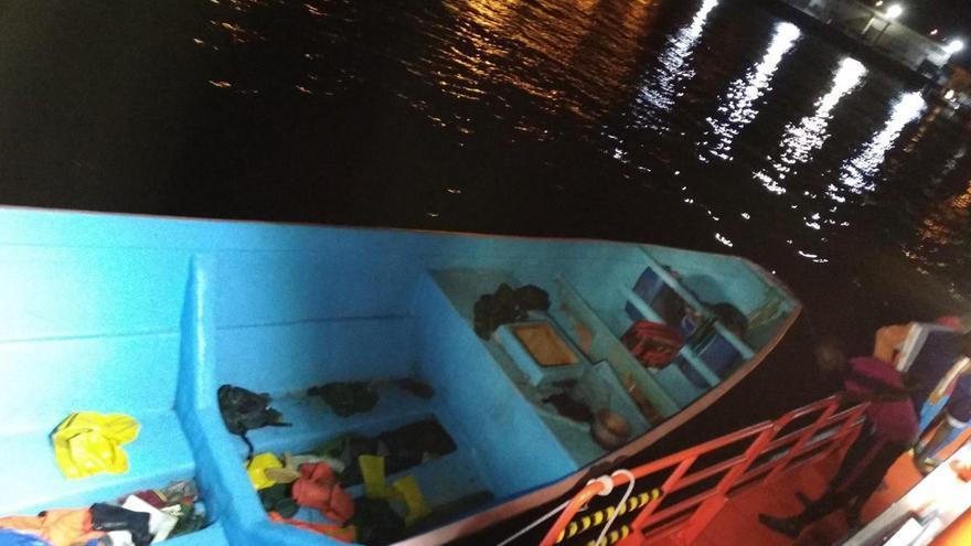 La patera llegada a la costa de Gran Canaria con 45 personar a bordo la madrugada del 20 de marzo de 2020
