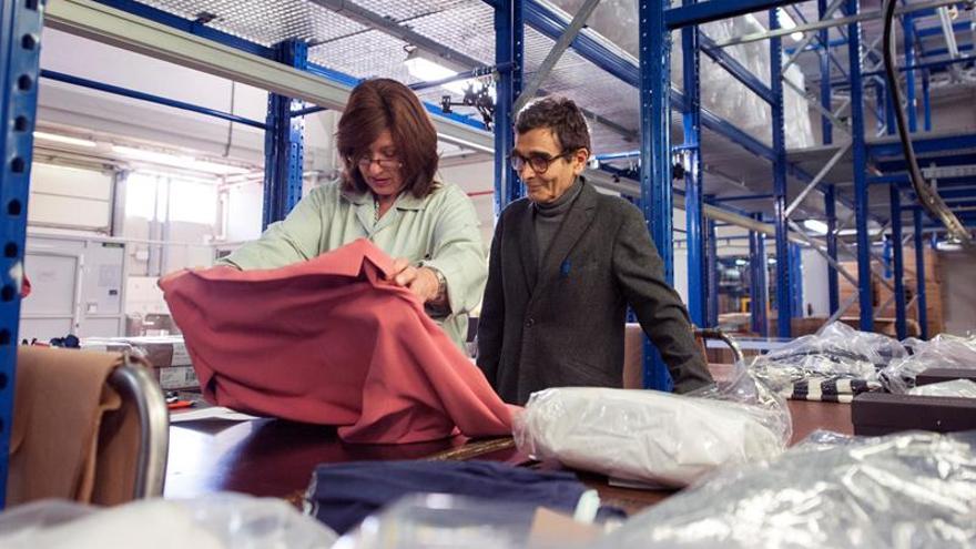 La firma de moda adolfo dom nguez abre un nuevo concepto for Adolfo dominguez nuevo