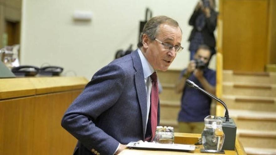 Alonso quiere que las siglas del PP aparezcan en la suma con Cs y preparan un documento de defensa del Concierto vasco