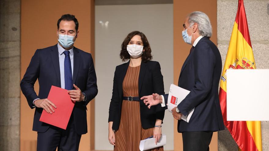 La Comunidad de Madrid enfrenta su mayor desafío: controlar la movilidad de un millón de personas con un gobierno dividido y la credibilidad por los suelos
