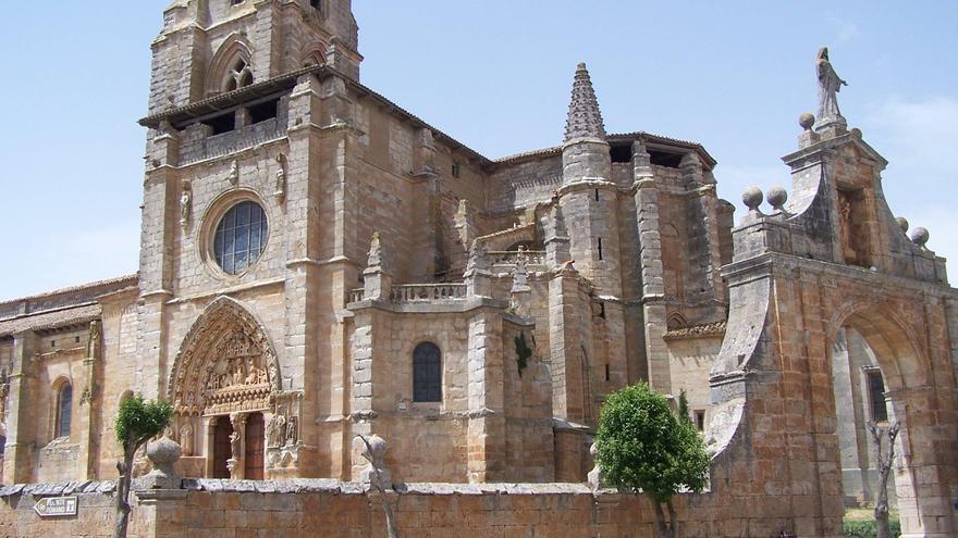 La Colegiata de Santa María la Real en Sasamón (Burgos).
