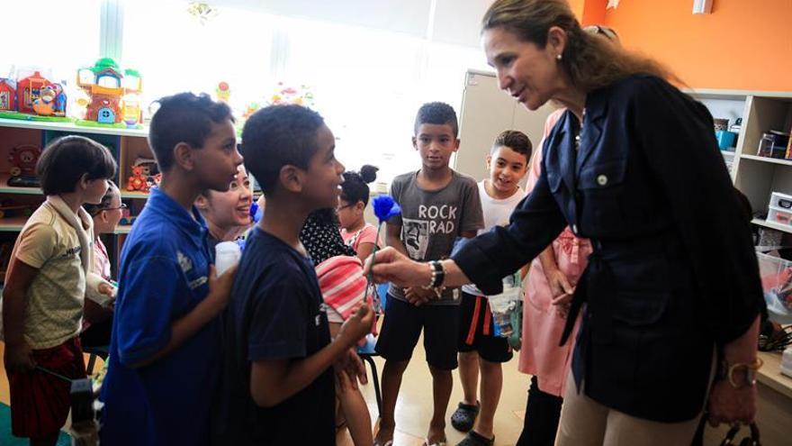 La infanta Elena visita un proyecto social en la segunda mayor favela de Sao Paulo