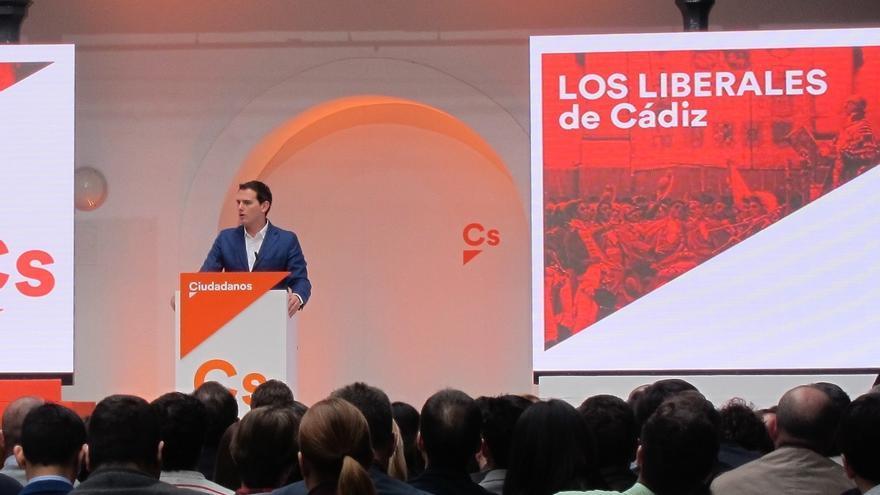"""Rivera dice que habrá PGE """"gracias a Ciudadanos"""" y pide al PSOE que """"no bloquee a España"""" con su """"división interna"""""""