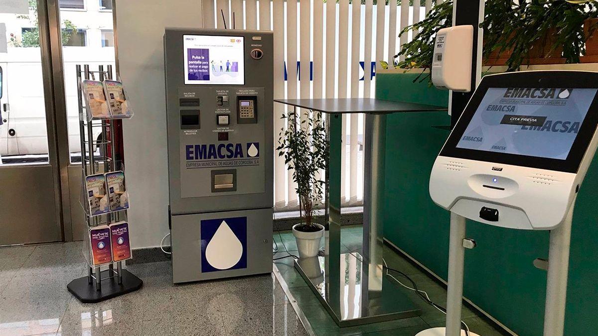 Máquinas de autopago en Emacsa.