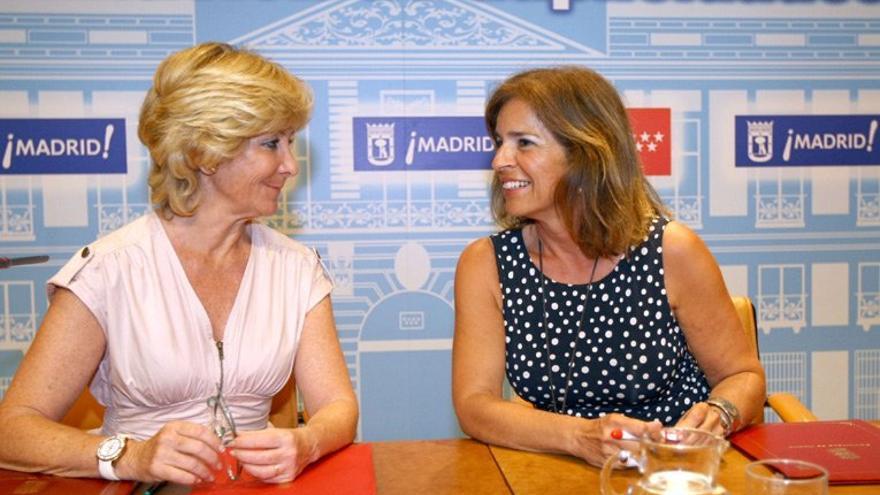 La ex presidenta de Madrid, Esperanza Aguirre, y la alcaldesa de la capital, Ana Botella.