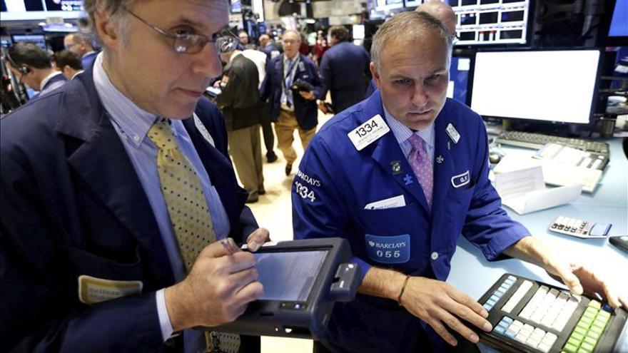 Wall Street abre con descensos y el Dow Jones cede un 0,07 por ciento