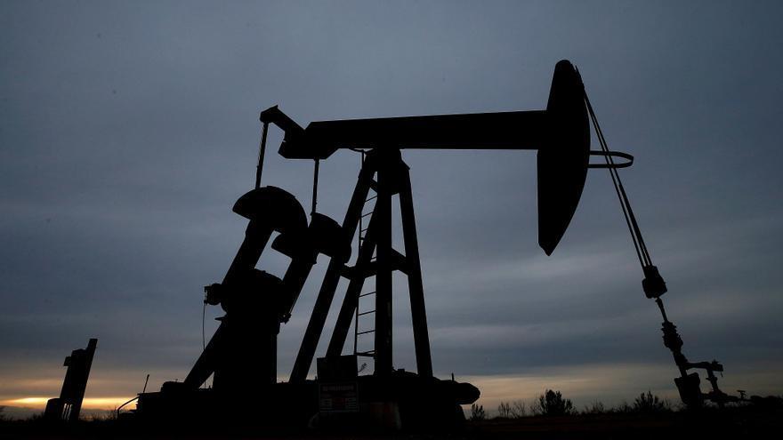 El petróleo de Texas cierra con un descenso del 0,2 %, hasta 41,74 dólares