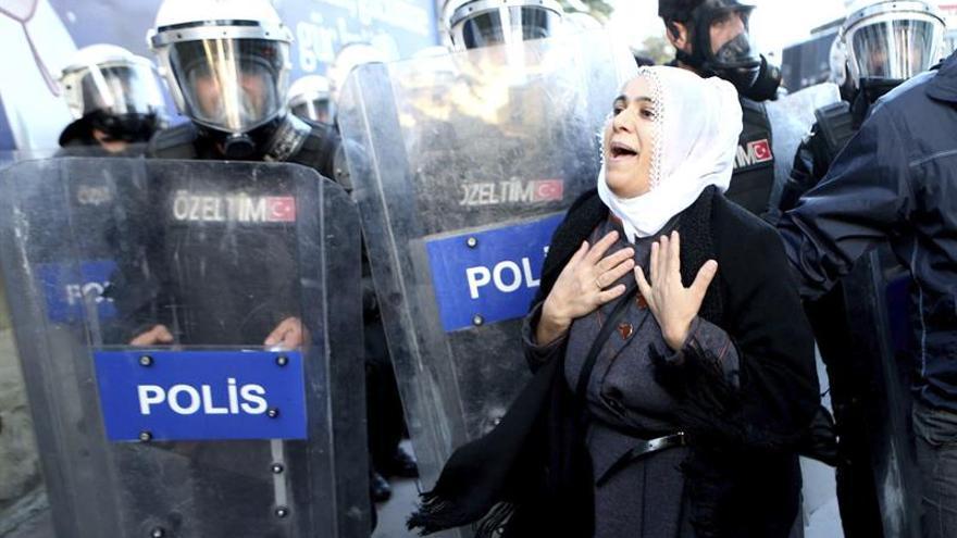 Izquierda prokurda suspende trabajo parlamentario en protesta por detenciones