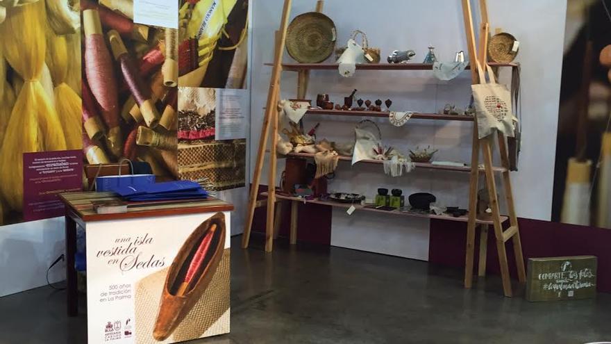 En la imagen, stand de la seda en la Feria de Artesanía de Canarias.