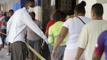 Desde el próximo lunes, Panamá sustituirá la cuarentena nacional que restringe desde el 25 de marzo por género y a dos horas diarias la movilidad, por un toque de queda nocturno.