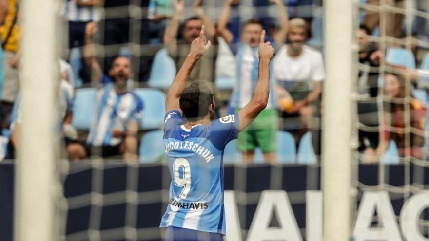 El delantero argentino Gustavo Blanco celebra el gol del Málaga. (MÄLAGA CF)