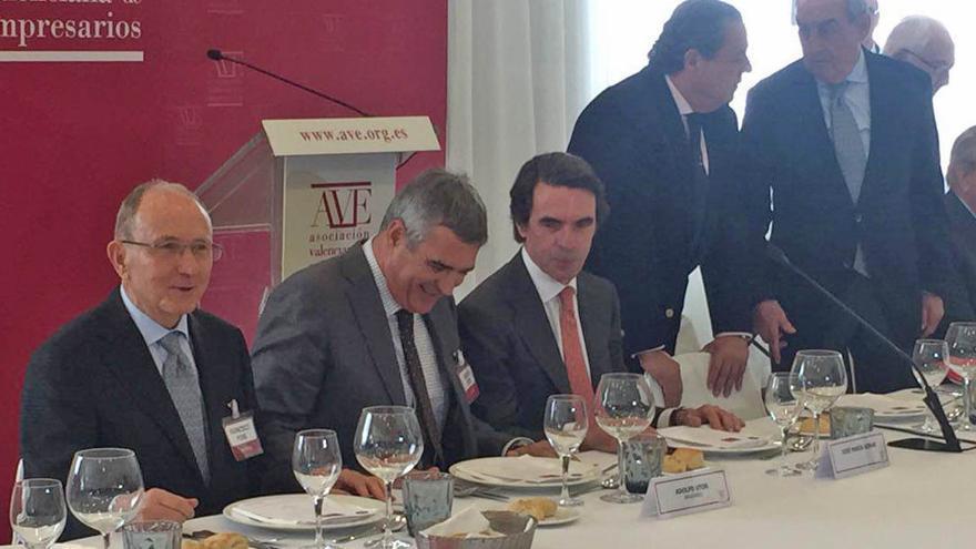 El expresidente del Gobierno José María Aznar en el almuerzo convocado por AVE en Valencia