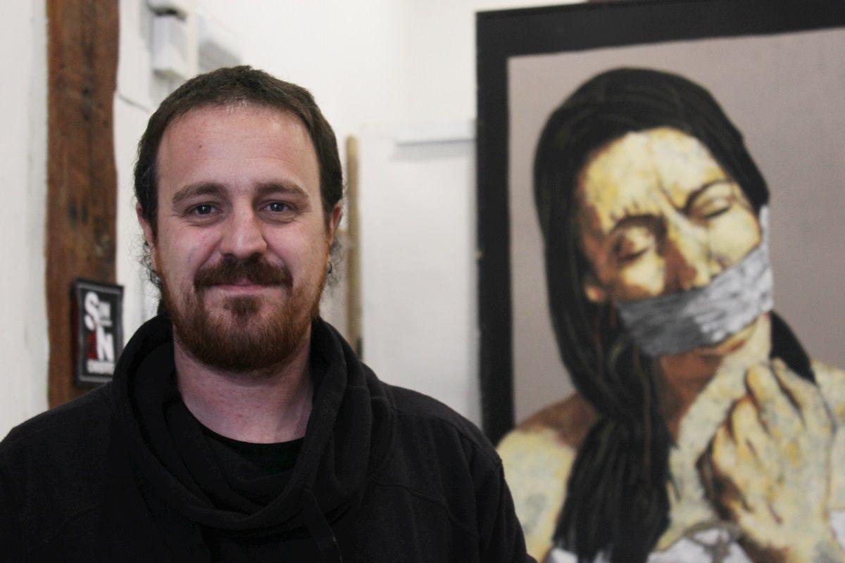 Raúl Casassola, en su taller | RAQUEL ANGULO