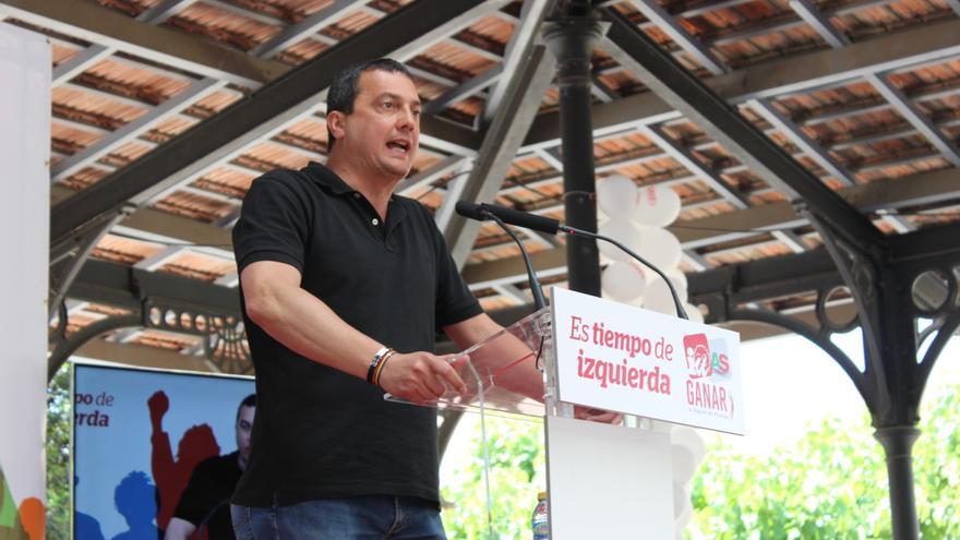 El candidato de Ganar, José Antonio Pujante, durante su intervención en el acto central de campaña / PSS