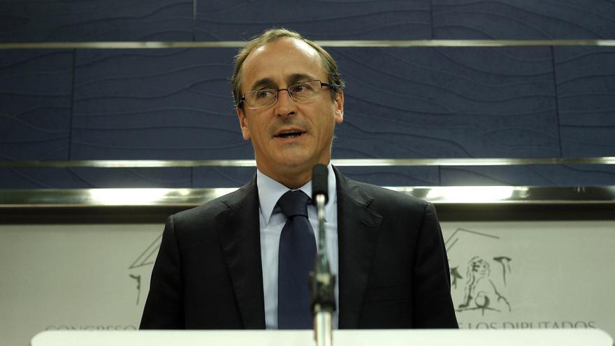Alonso (PP) critica que CiU rechace el cambio en la Ley de Estabilidad a la vez que Cataluña pide el rescate