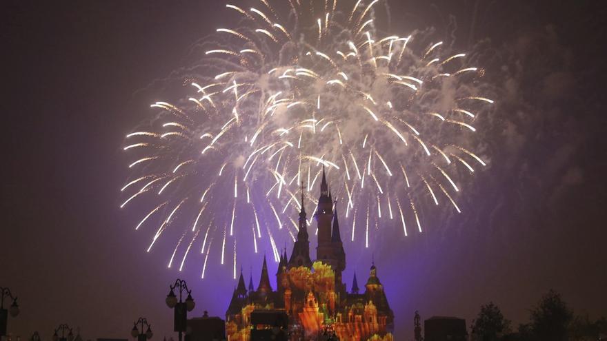 """Disney grabará una película inspirada en la atracción """"Space Mountain"""""""