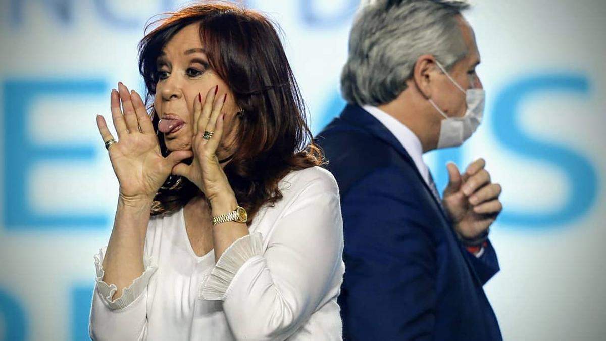 Cristina Kirchner y Alberto Fernández durante el acto de diciembre en La Plata