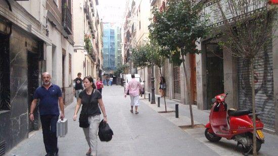 Calle de loreto y chicote entre la pasarela y el lumpen for Calle loreto prado y enrique chicote