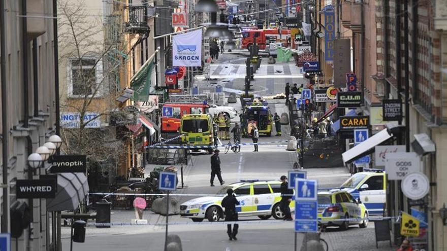 La Policía sueca niega una detención tras el ataque y difunde la foto de un sospechoso