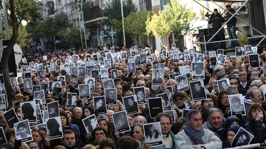 Argentina desclasifica los archivos del atentado contra mutua judía en 1994