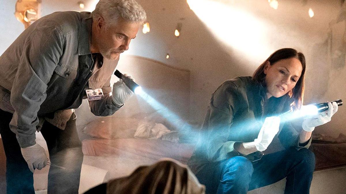 William L Petersen y Jorja Fox en 'CSI: Vegas'