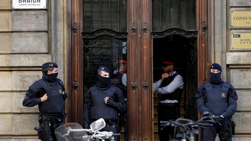 La Guardia Civil hace un volcado del correo de presidencia y personal de Sànchez