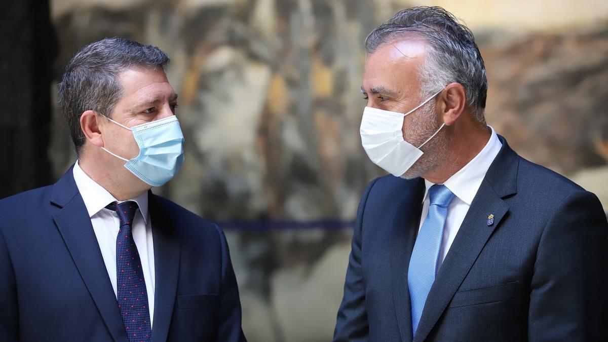 Emiliano García-Page, junto a Ángel Víctor Torres en la presentación del proyecto