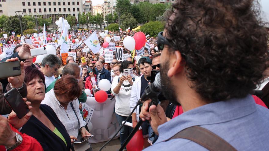 Spiriman durante la lectura de su discurso ante 3.000 personas