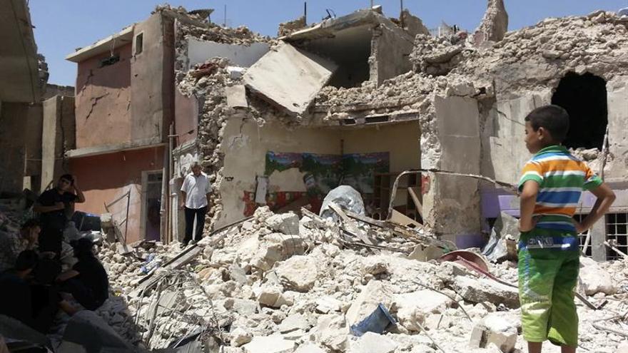 Fuerzas iraquíes lanzan un contraataque para retomar una localidad al sur de Mosul