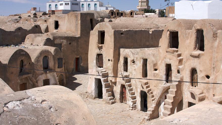 Las antiguas construcciones de barro de las ciudades del sur sirvieron de escenario en varias películas de La Guerra de las Galaxias. Katina Rogers
