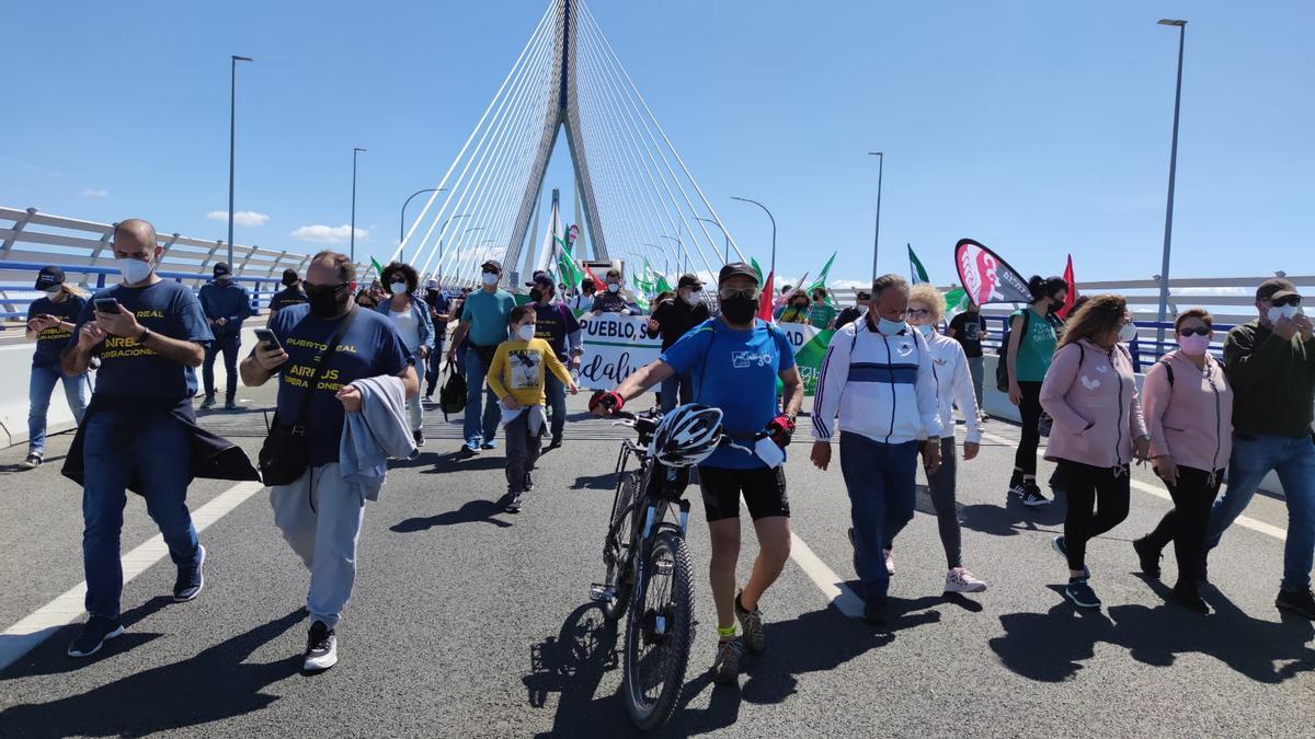 El puente de la Constitución ha sido el escenario de esta histórica manifestación