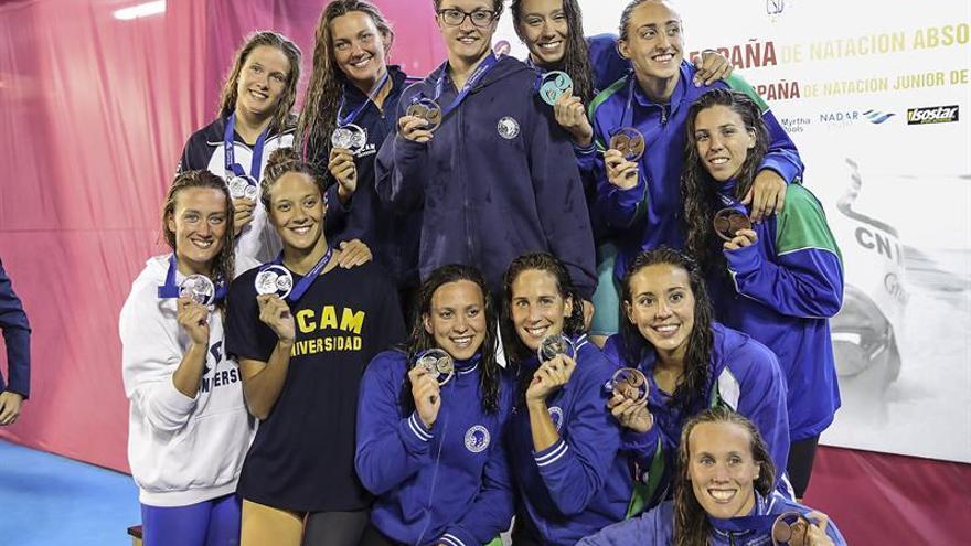 Podium del 4x200 femenino del Campeonato de España celebrado en Las Palmas de Gran Canaria
