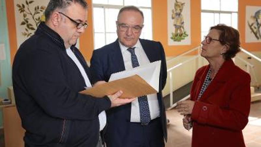José Manuel Baltar visita la sede del centro de día de la Asociación Parkinson Gran Canaria