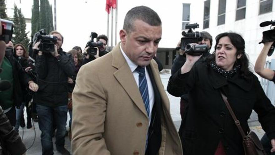 El promotor de la fiesta de Halloween, Miguel Ángel Flores, a su llegada a los juzgados. / Europa Press