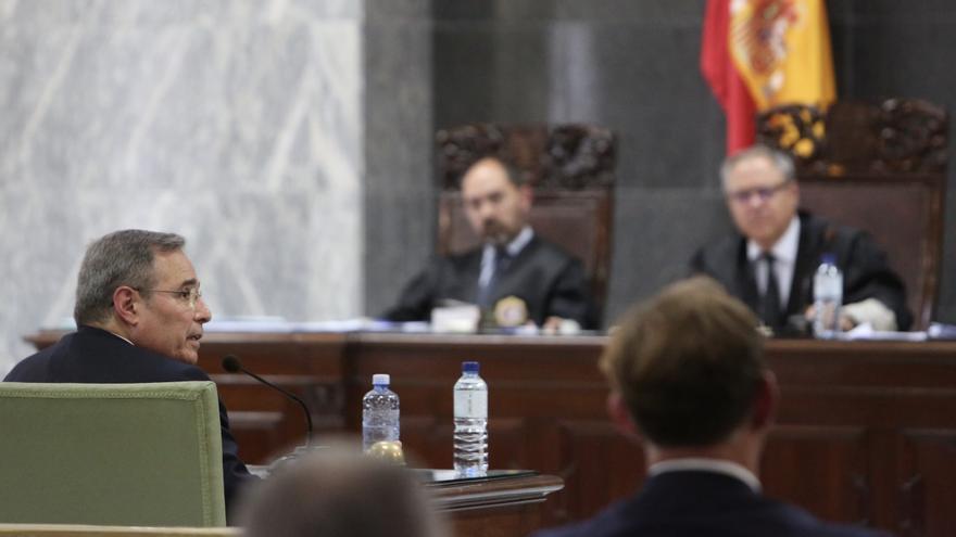 Héctor de Armas, durante su declaración en la tercera sesión del juicio contra Salvador Alba. (ALEJANDRO RAMOS)
