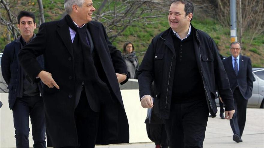 Personalidades de la cultura y la política despiden a Castellet en su funeral