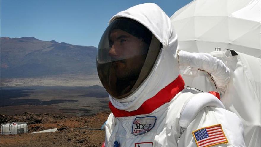 """Cinco """"astronautas"""" vivirán dentro de nave espacial en el desierto de Atacama"""