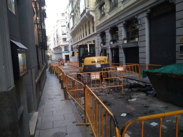 Obras de reforma en la calle Reina | Fotografía: Somos Chueca