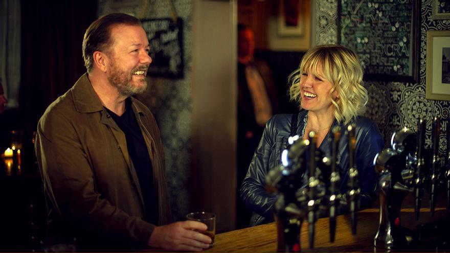 Ricky Gervais y Ashley Jensen en 'After Life 2'
