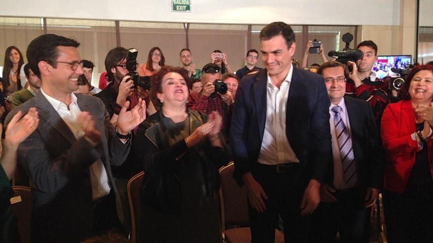 """Sánchez ve a Granada como una """"metáfora"""" de lo que ocurre en España, con un gobierno """"asolado por corrupción"""""""