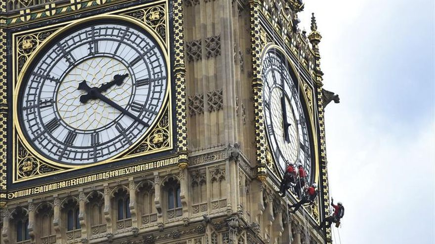 Estiman en más de 3.000 millones la reparación del Parlamento británico