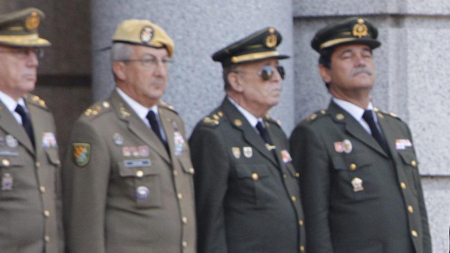 Altos mandos militares asisten a un acto de toma de posesión, en una imagen de archivo.