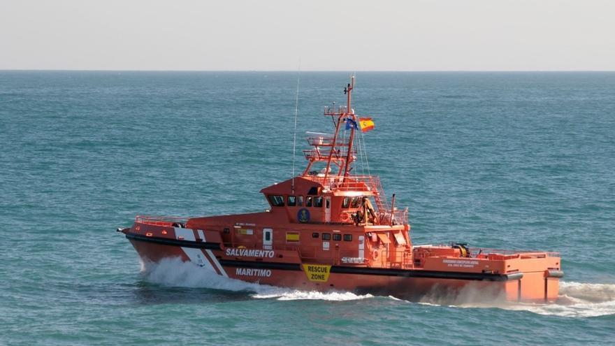 Trasladan a Algeciras a las cinco personas, cuatro fallecidas, rescatadas del naufragio en el Estrecho