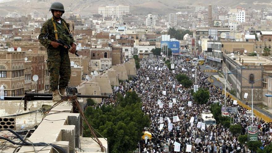 AI insta a partes del conflicto en Yemen a dar prioridad a ayuda humanitaria