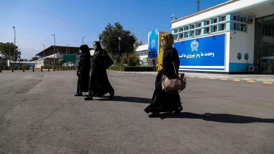 Los talibanes intentan poner fin al bloqueo de un Afganistán en crisis