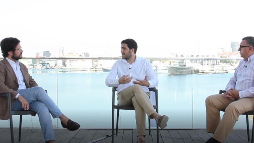 Ramón Marrades, Sergi Pitarch y Vicent Llorens en la Marina de Valencia